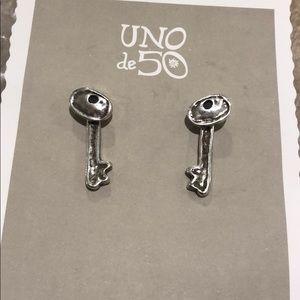 UNO de 50 Jewelry - Uno De 50 Hogar Dulce Hogar Key Drop Earrings